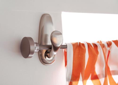 Command Strip Curtain Rod
